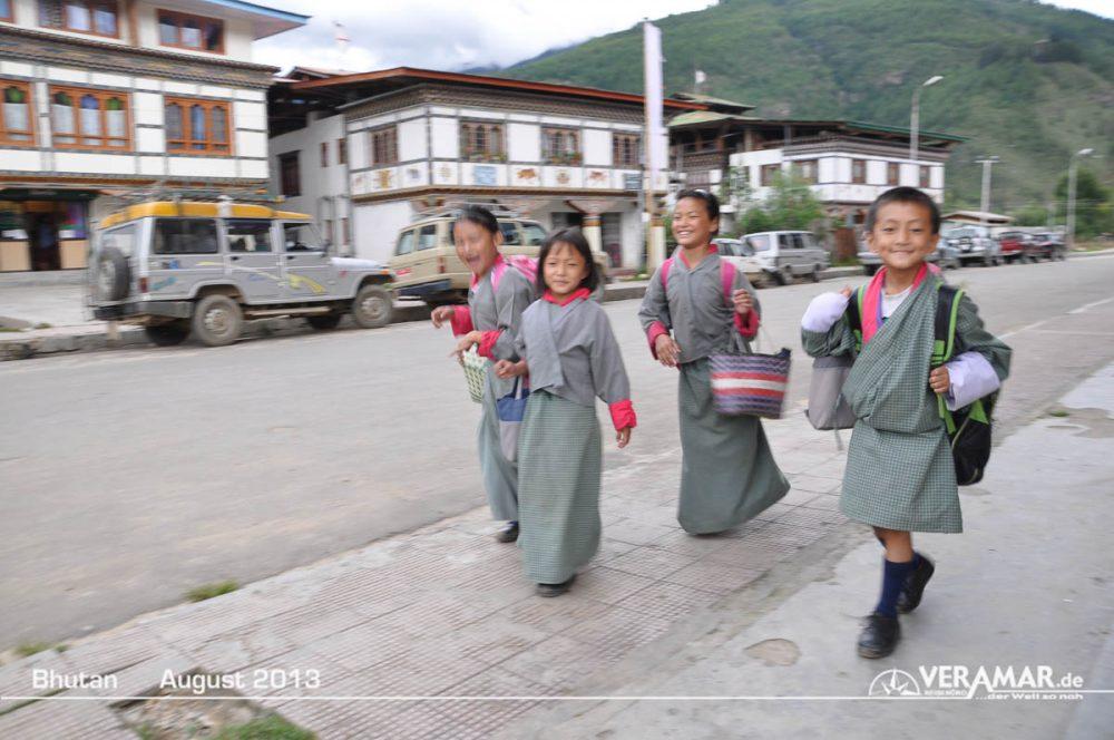 Bhutan Schulkinder