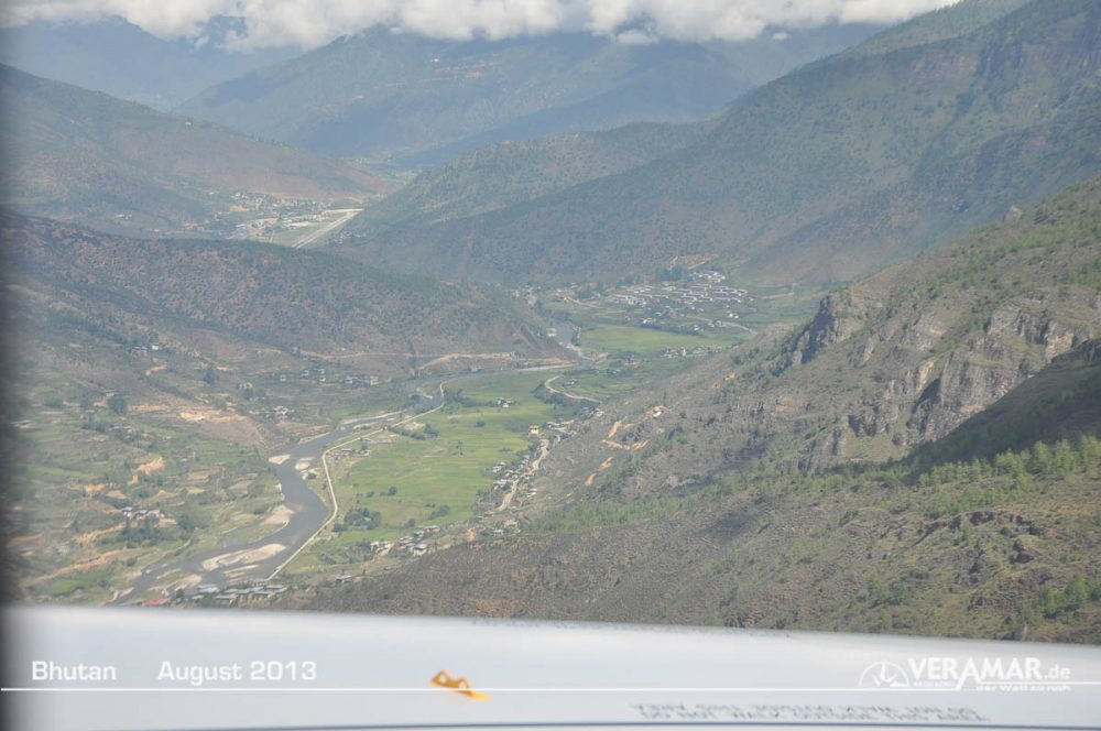 Anflug Paro Bhutan